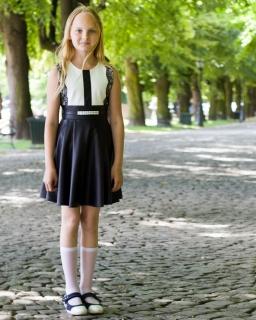Wyjściowa sukienka w czarnym kolorze 140-164 Stella czarny plus ecru