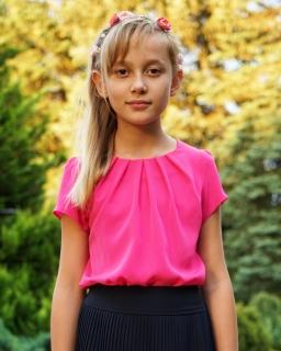 Delikatna bluzeczka z zakładkami 116 - 170 Lili amarant