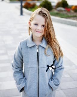Modny płaszcz dla dziewczynki 128 - 152 Lara szary