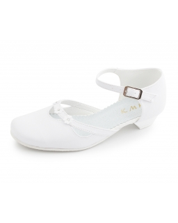Białe buty komunijne dla dziewczynki, Shoes for a girl for communion