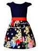 Sukienka wizytowa z dołem w kwiaty i wiązana szarfą w pasie