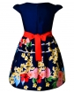 Sukienka wizytowa z dołem w kwiaty i wiązana szarfą w pasie tył