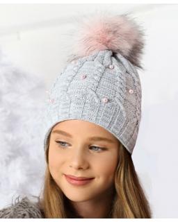 Ciepła czapka z perełkami