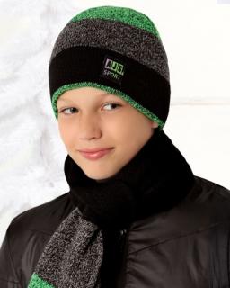 Zimowy zestaw chłopięcy czapka w kolorowe pasy i szalik