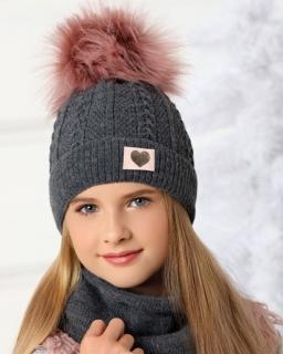 Zimowa czapka z pomponem z plecionego materiału dla dziewczynki