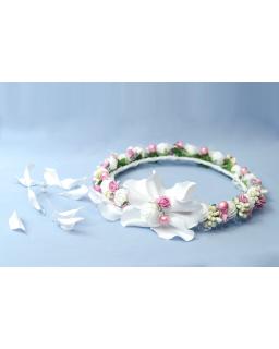 Komunijny wianek z różowymi perełkami