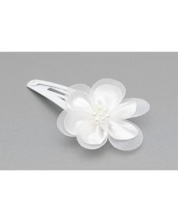 Biała komunijna zapinka z kwiatkiem