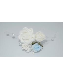 Delikatna ozdoba na rękę z niebieską różą