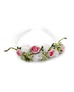 Opaska z materiałowych i piankowych kwiatów z zielonymi elementami