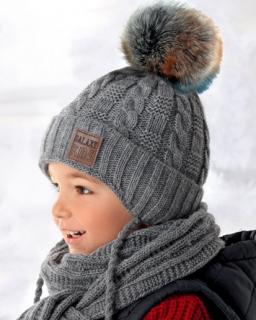 Chłopięcy komplet na zimę w kolorze szarym z modnym pomponem