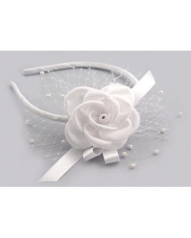 Biała komunijna opaska z perełkami i woalką