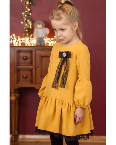 9509702b9490b0 Musztardowa sukienka z bufiatymi rękawkami zdjęcie z boku