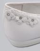 Białe komunijne balerinki z kwiatkami przód