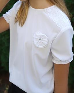 Biała bluzka do szkoły