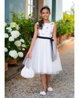 Sukienka dla dziewczynki z haftem i szarfą zdjęcie na modelce