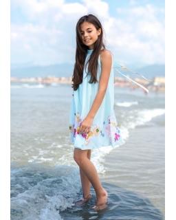 Dziewczęca sukienka o zwiewnym fasonie zdjęcie z modelką