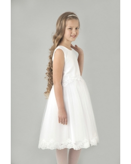 Dziewczęca sukienka z koronką Blumore zdjęcie z modelką