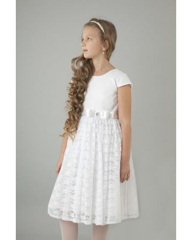 225b80c9f4 Dziewczęca sukienka komunijna z koronki z atlasową szarfą