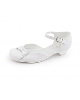 Białe buty wizytowe dla dziewczynki