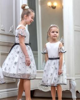 Sukienka dla dziewczynki w kolorze kremowym