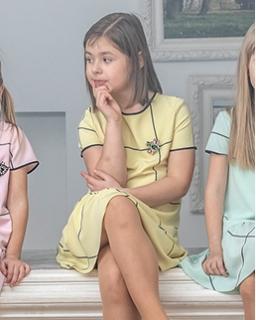 Sukienka dla dziewczynki na wiosnę w kolorze żółtym