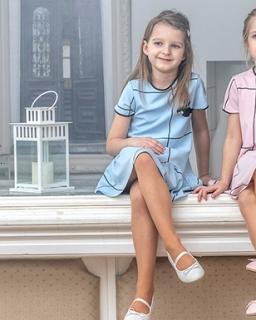 Sukienki dla dziewczynek w kolorze niebieskim Wiosna 2019