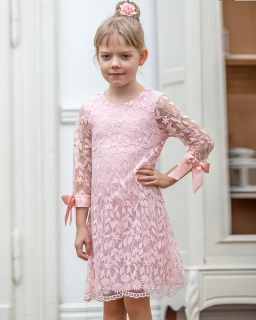 2dd5a2d386 Dziewczęca sukienka z koronki 128-158 W-89 viw różowa