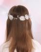 Biała gałązka komunijna z kwiatami i perełkami dla dziewczynki 2