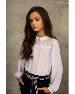 Elegancka bluzka z koronkową wstawką 122-164 1S-121