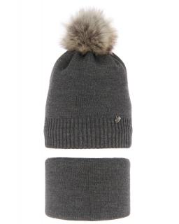 Zimowy komplet czapka z pomponem i komin AGB/3517 szary