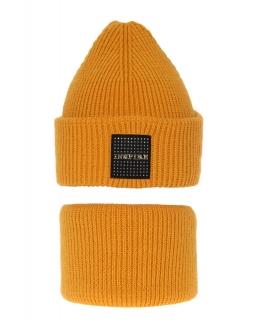 Modny zestaw na zimę czapka i komin AGB/3452 miodowy