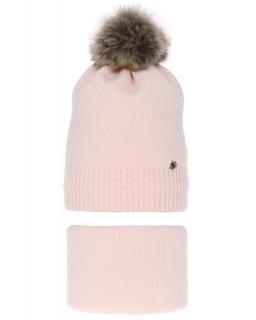 Zimowy komplet czapka z pomponem i komin AGB/3517 jasny róż