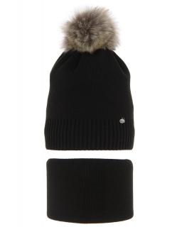 Zimowy komplet czapka z pomponem i komin AGB/3517 czarny