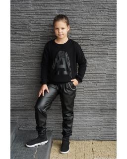 Sweter z literką A i frędzlami 134-164 Asia czarny