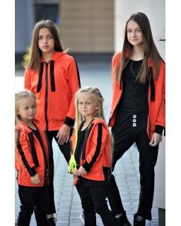 Spodnie dresowe z guziczkami 110-164 QB11 czarne