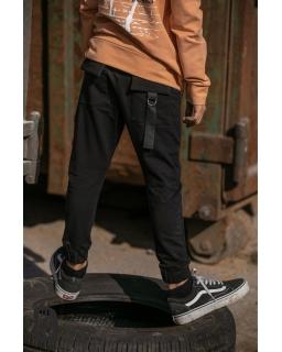 Chłopięce spodnie z kieszeniami 104-158 AFK/19 czarny