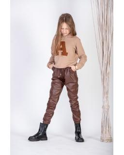 Dziewczęce spodnie z eco skórki na welurze 128-158 G-326 brązowe